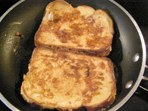 frenchtoast_cook2ndside