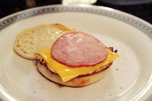 EggMuffin_addbacon&cheese